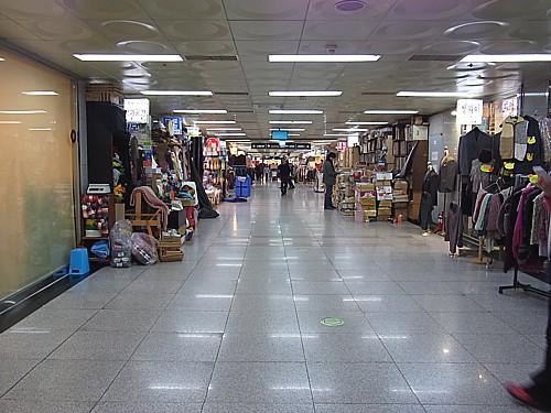 地下ショッピングセンター