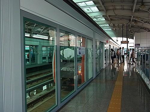 釜山空港電車