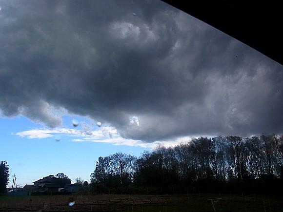 爆弾低気圧の雲