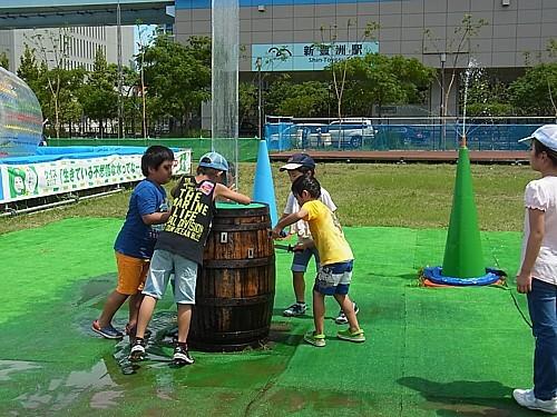 無料水遊び場