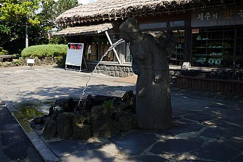 リバースの像