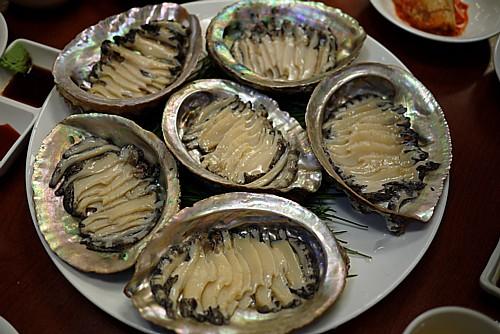 贅沢なアワビ鍋