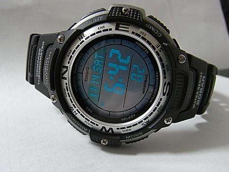 電子コンパス 腕時計