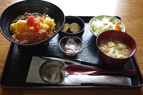 三食丼定食