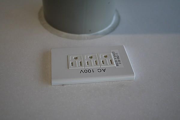 AC100V