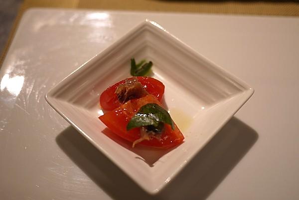アンチョビとフレッシュトマト