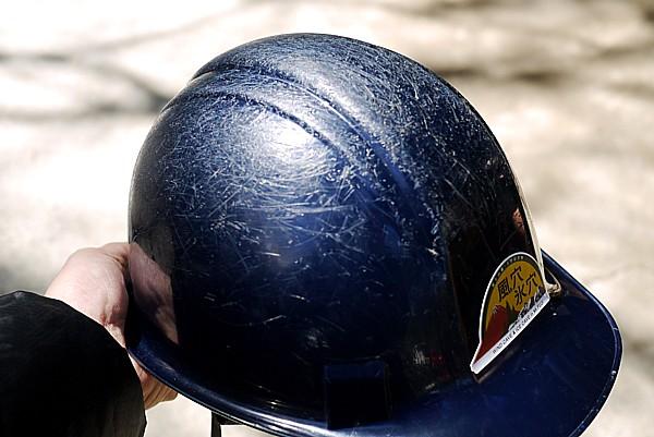 ヘルメット必須