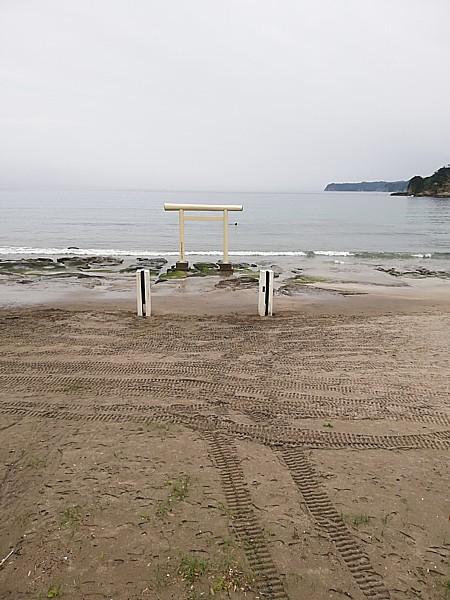 鵜原海水浴場鳥居