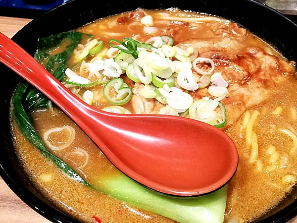 十勝ホエー豚麺
