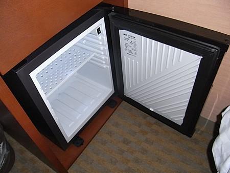 ペルチェ方式電子冷蔵庫