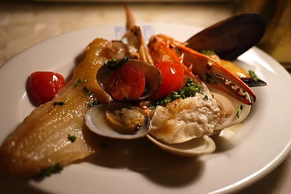 沖縄瀬長島の南イタリアンレストラン